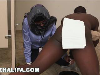 Arab Mia Khalifa Compares Large Black Manmeat to Milky Penis